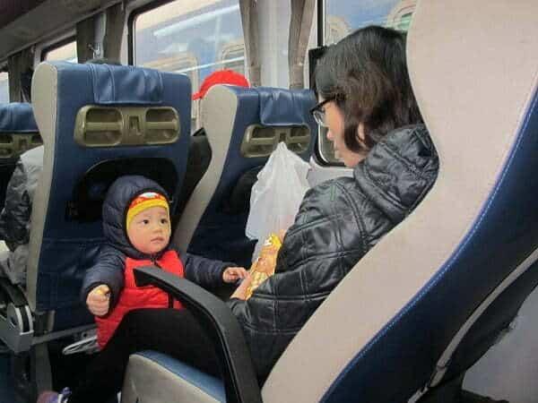 Quy định mua vé tàu cho trẻ em Tết 2021